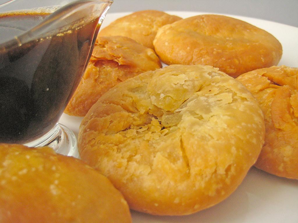 Pyaz Ki Kachori (Onion Kachori)