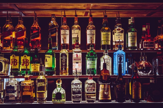 How to Order Alcohol Delivery Online in Delhi